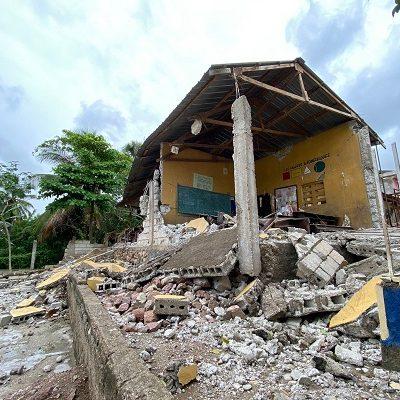Door aardbeving verwoest klaslokaal in Haïti